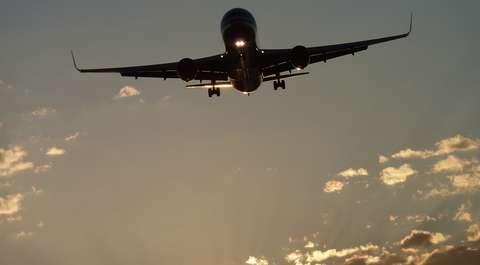 Awaryjne lądowanie samolotu z Polakami w Kairze