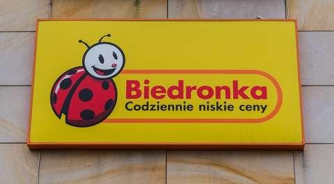 Nowe karty i usługa dla klientów Biedronki