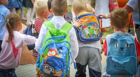 Ciężkie plecaki uczniów. Ministerstwo marginalizuje problem