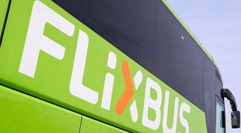 Odwołano kilkadziesiąt kursów Flixbusa. Wśród poszkodowanych para niewidomych