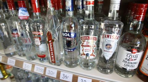 Partia znanej wódki wycofana ze sklepów. Powód? Nieprzyjemny zapach