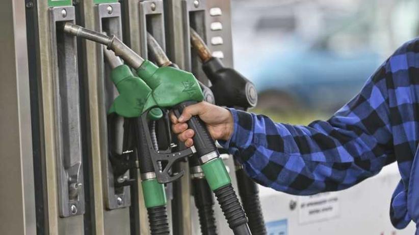 Sejm przyjął ustawę emisyjną. Co z cenami paliwa?