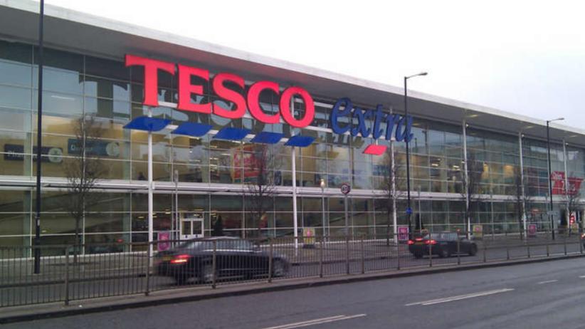 Tesco zamknie w Polsce 18 sklepów. Będą zwolnienia!