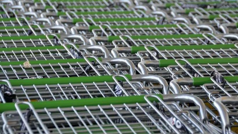 Zakaz handlu w niedzielę. Pierwsza sieć sklepów wprowadza zmiany