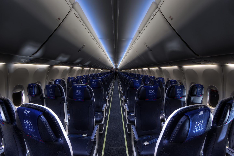 Boeing 737 MAX 8 (1)