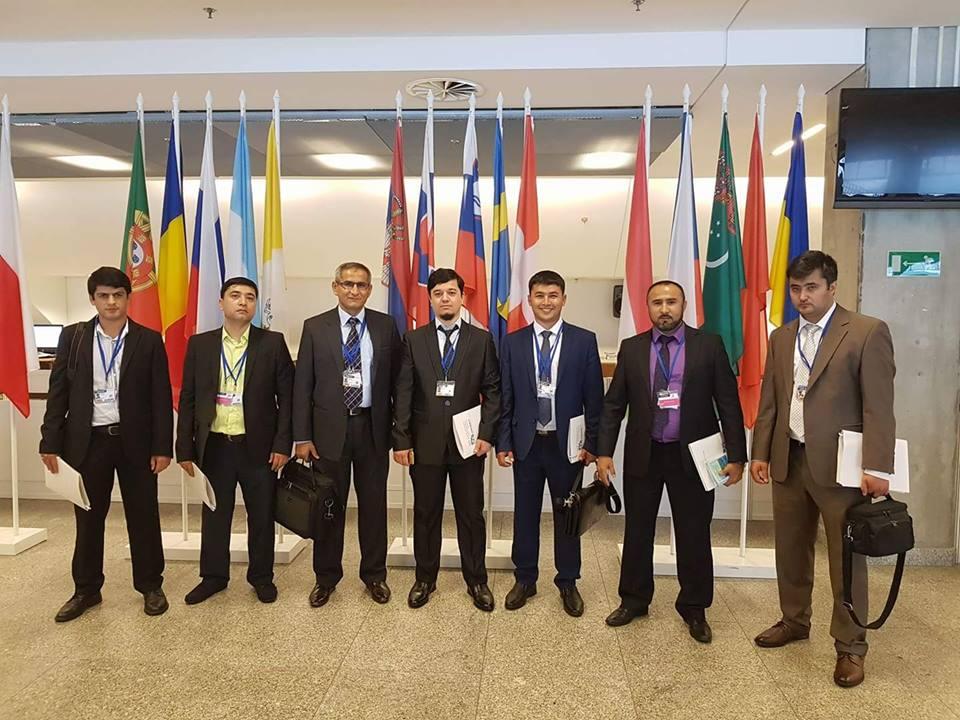 Grupa 24 podczas konferencji OBWE w Warszawie. Tadżykistan