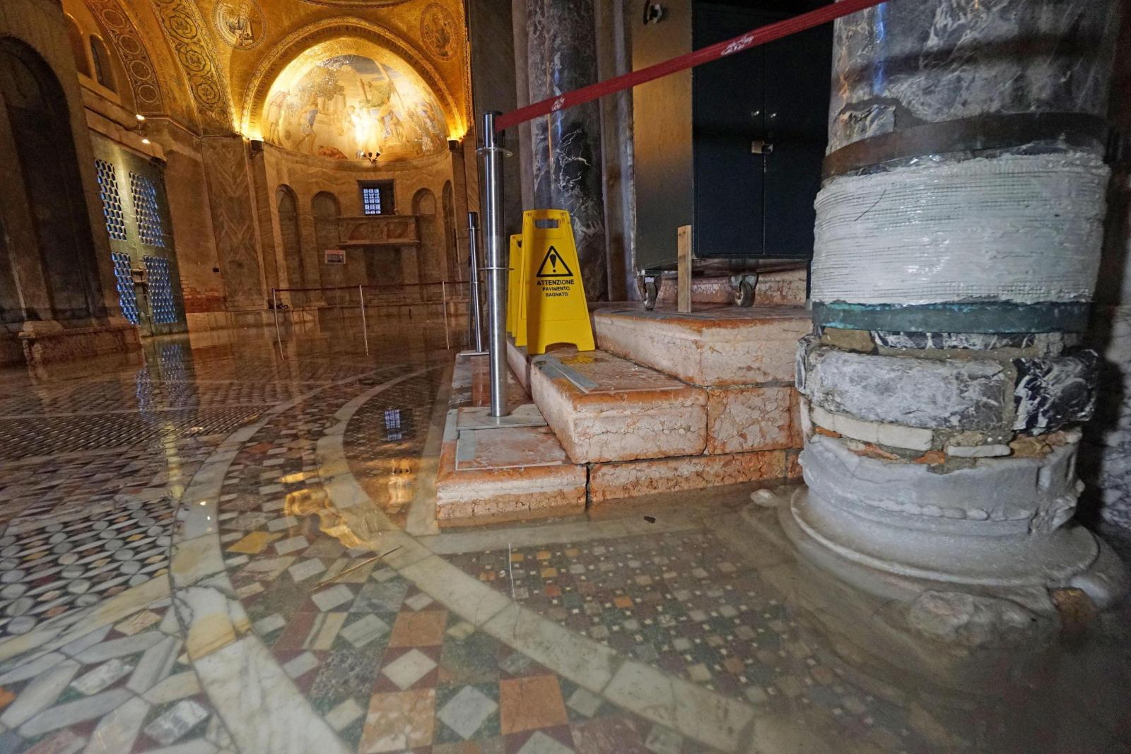 Tysiącletnia mozaika pod wodą  w Wenecji