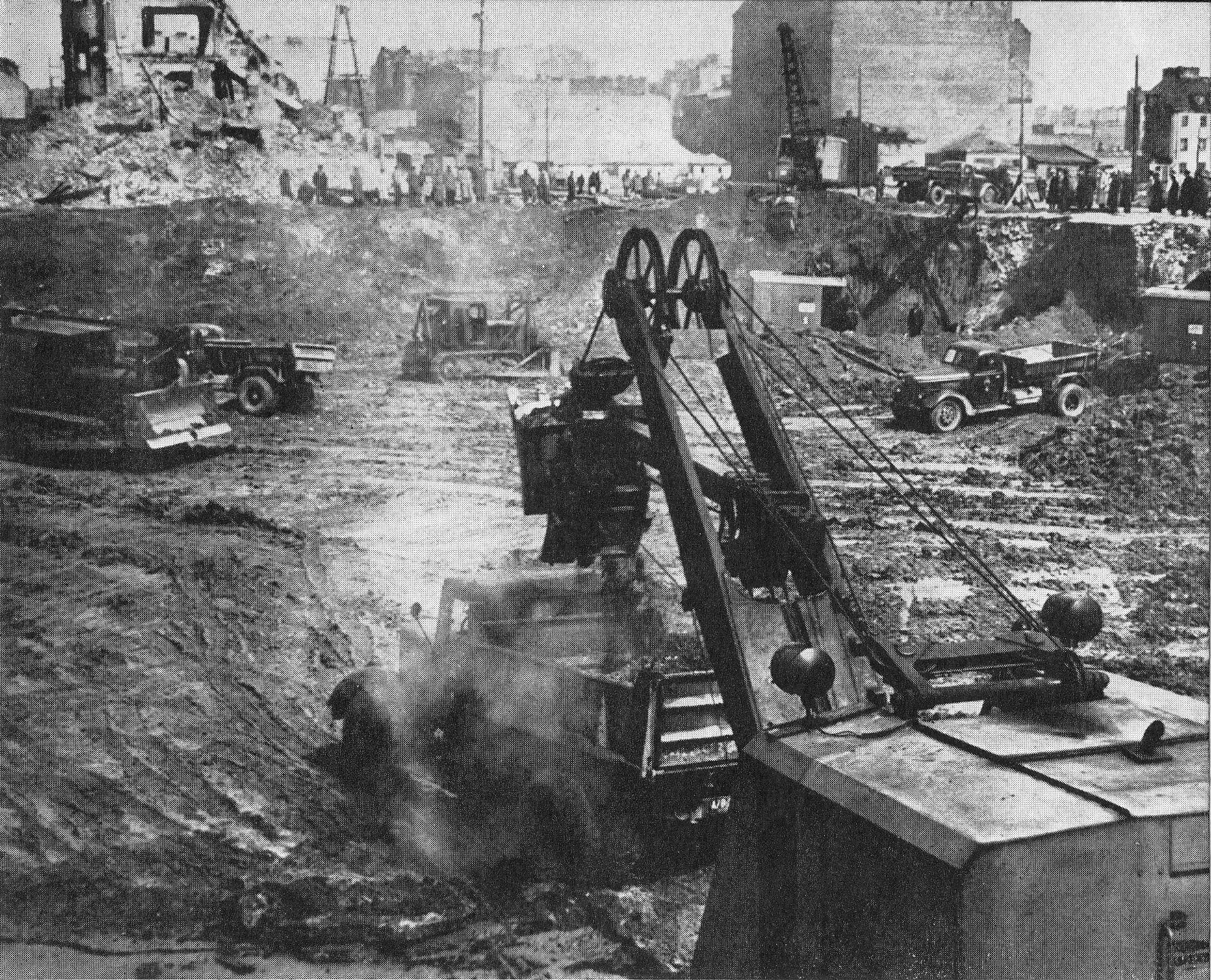 Wykopy_pod_fundamenty_Pałacu_Kultury_i_Nauki_1952