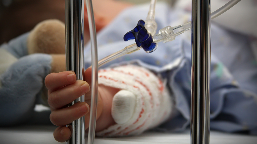 W szpitalu zmarła 14-miesięczna dziewczynka. Nie była zaszczepiona
