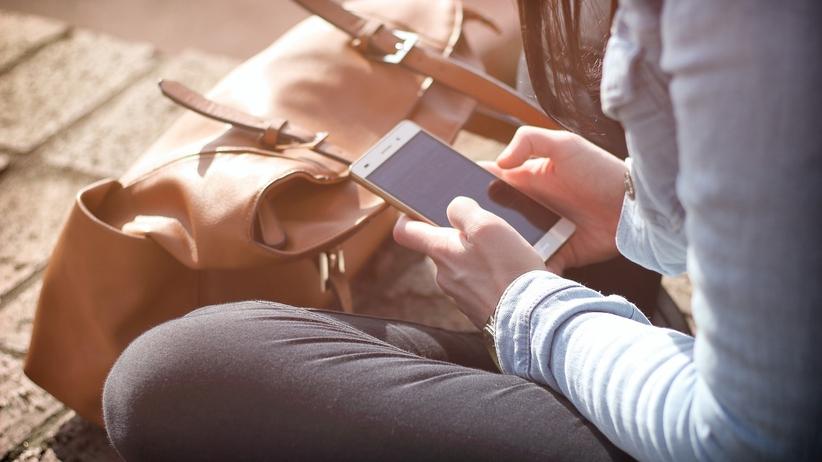 200 tys. osób dało się oszukać przez fałszywe SMS-y. Ludzie stracili 3 mln złotych