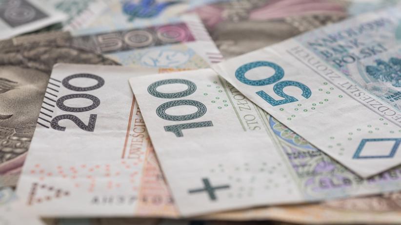 PiS obniży VAT, ale nie teraz. Ministerstwo stawia dwa warunki