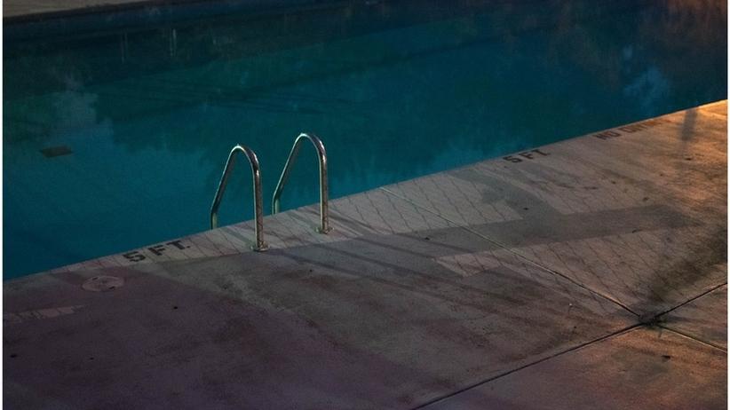 24-latek stracił przytomność na basenie pod Kielcami. Zmarł w szpitalu