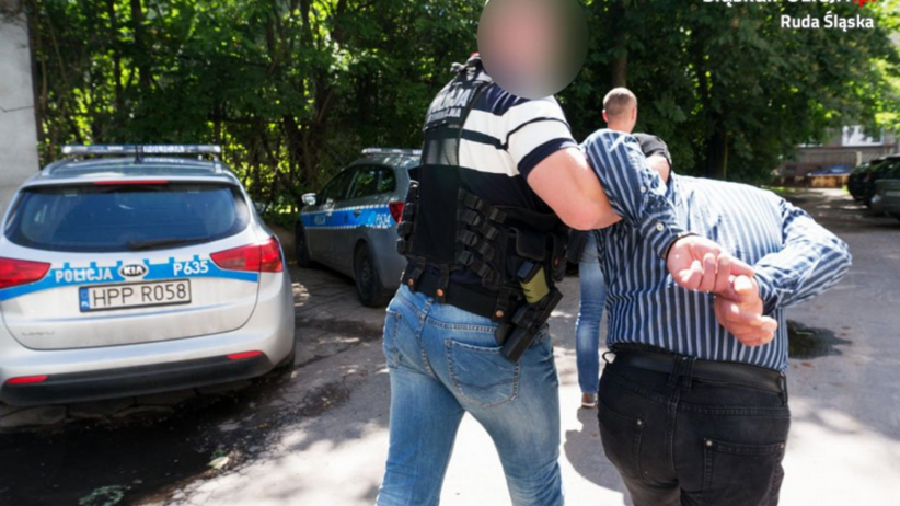 51-letni pedofil umówił się w Katowicach z 13-latką. Zobacz, co miał w reklamówce