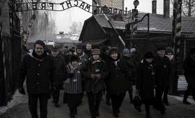 77 lat temu Niemcy dokonali pierwszej egzekucji w KL Auschwitz. Rozstrzelano 40 Polaków