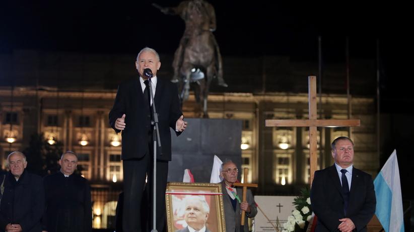 Jarosław Kaczyński na miesięcznicy smoleńskiej: Pewnego dnia powiemy, że mamy IV Rzeczpospolitą