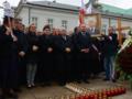 90. miesięcznica smoleńska. Policja blokuje kontrmanifestantów na Krakowskim Przedmieściu