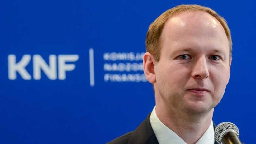 """Były szef KNF szukał haka na Czarneckiego. GW: """"Zaciskał wokół niego pętlę"""""""