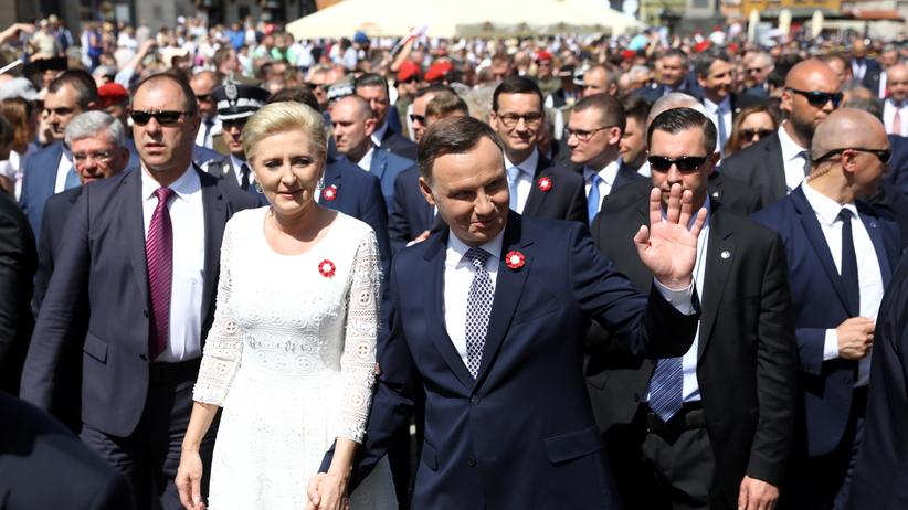 Agata Duda odwiedziła niepełnosprawnych protestujących w Sejmie