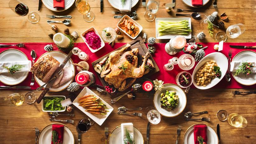 """""""Podziel się posiłkiem z bezdomnymi"""". Jak oddać jedzenie, które zostało nam po świętach?"""