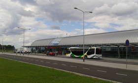 Alarm bombowy na lotnisku w Modlinie. Ewakuowano 250 osób