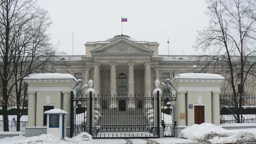Ambasada Rosji: Część wydalonych dyplomatów opuściła już Polskę; reszta wyjedzie do północy