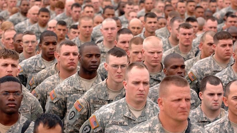 W jednostce żołnierze nie zjedzą burgera