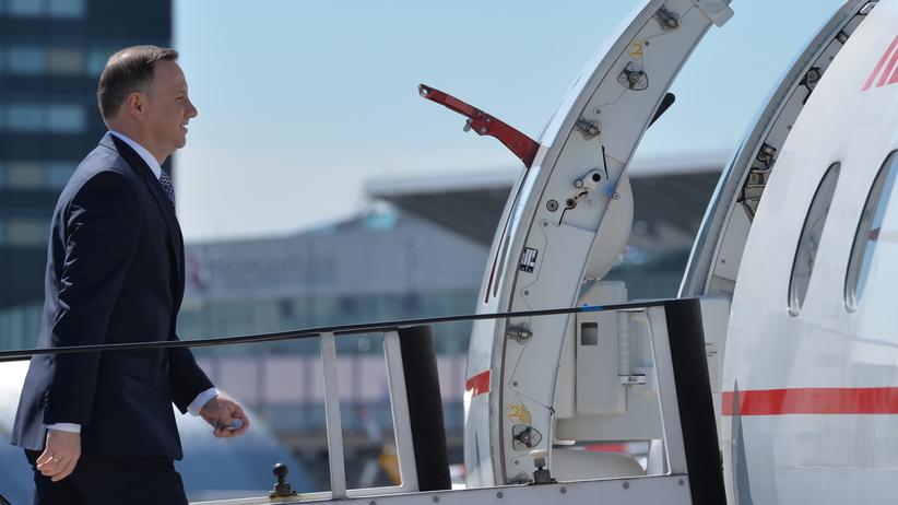 Organizacja lotu do Brukseli na szczyt NATO zgodna z instrukcją HEAD