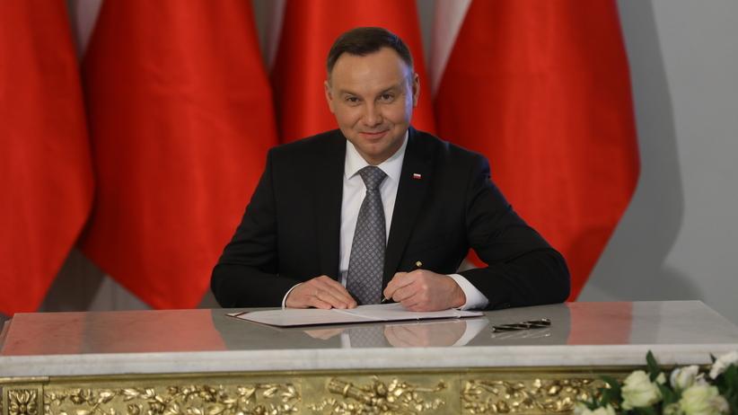 Andrzej Duda podpisał ustawę o ograniczeniu handlu w niedzielę