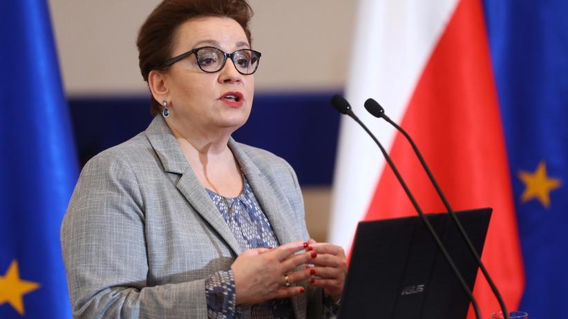 Anna Zalewska zapewnia, że egzaminy odbędą się nawet w przypadku strajku nauczycieli