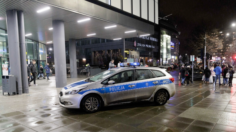 Atak nożownika w Szczecinie. Zmarła jedna z ofiar