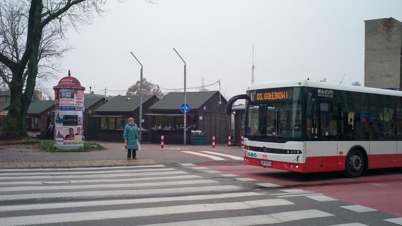 Autobus potrącił kilka osób. Wśród poszkodowanych czworo dzieci