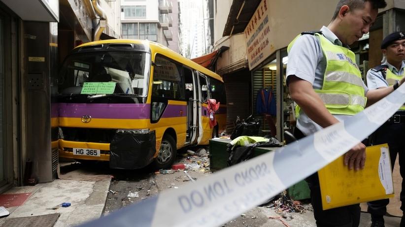 Autobus staranował przechodniów. Są ofiary śmiertelne