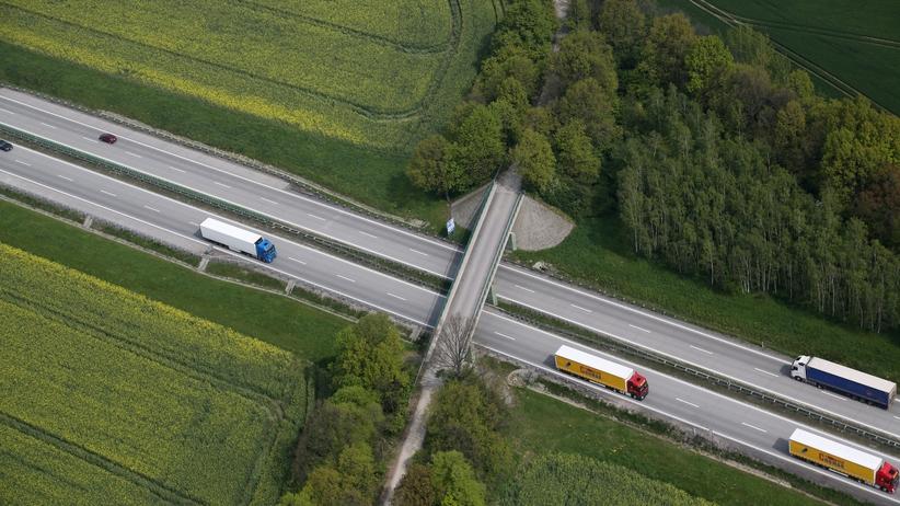 Zablokowana autostrada A4. Na miejscu pracują saperzy