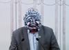 Awantura w Senacie. Senator wszedł na mównicę w masce [FOTO]