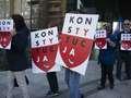 Zwolennicy opozycji bardziej nie lubią sympatyków PiS niż odwrotnie. Ciekawe wyniki badań