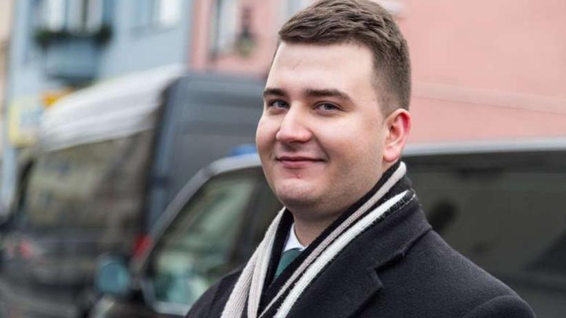 Bartłomiej Misiewicz negocjuje z TV Republika. Stworzy program o... obronności?