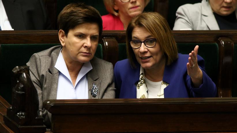 Będą zmiany w rządzie. Beata Mazurek mówi o szczegółach