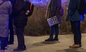 Telewizja Kurskiego będzie miała kłopoty? Demonstranci planują zbiorowy pozew przeciw TVP