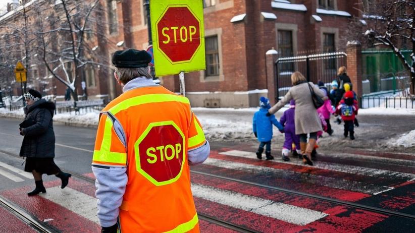 Biało-czerwone przejście dla pieszych deptaniem symboli narodowych? Tak uważa pewien radny