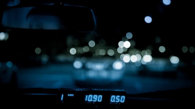 Białystok: taksówkarz skatował pasażerkę, gdy ta zwróciła mu uwagę