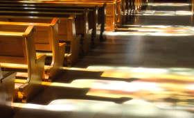 Wbiegli do kościoła półnadzy i zakłócali mszę