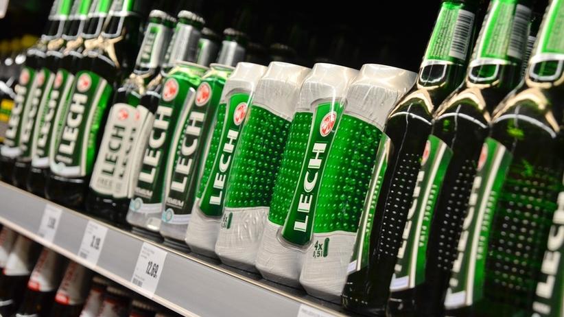 Przeterminowane piwo ''Lech'' w Biedronce. Kontrola sanepidu