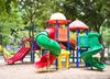 Żrąca substancja na placu zabaw. Dwuletni chłopiec trafił do szpitala