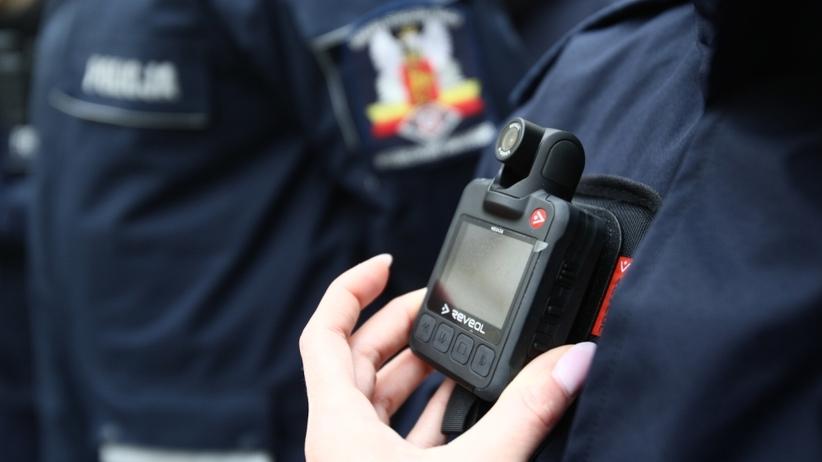 Policjanci będą cię nagrywać mundurem. Ruszają pierwsze patrole policji wyposażone w kamery