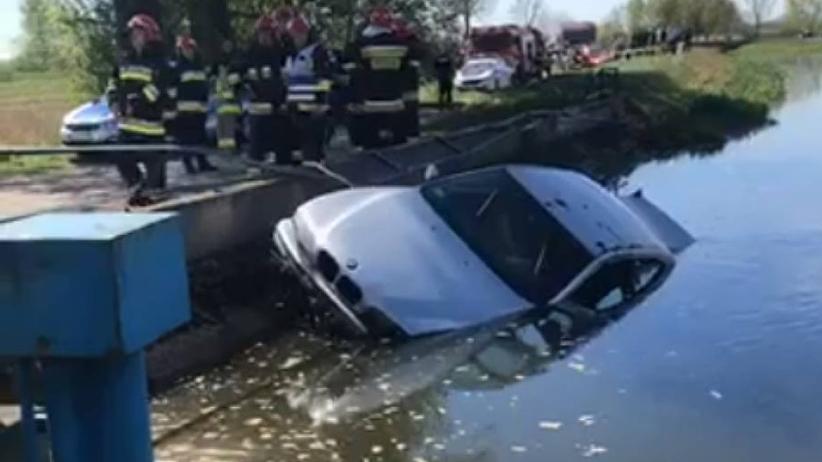 BMW wpadło do rzeki