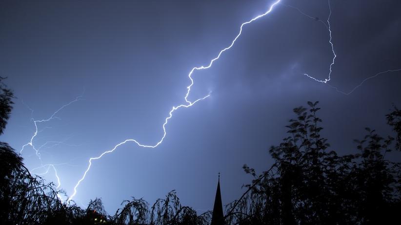 Front burzowy opuszcza Polskę. W nocy może jednak zagrzmieć!