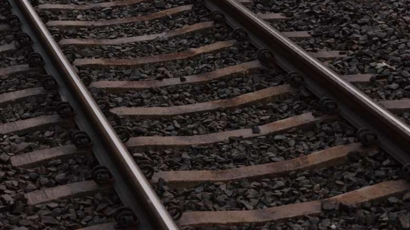 Tragedia w Bytomiu. Pociąg śmiertelnie potrącił 14-latka