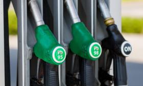 Ceny paliw w dół. Jest jeden wyjątek