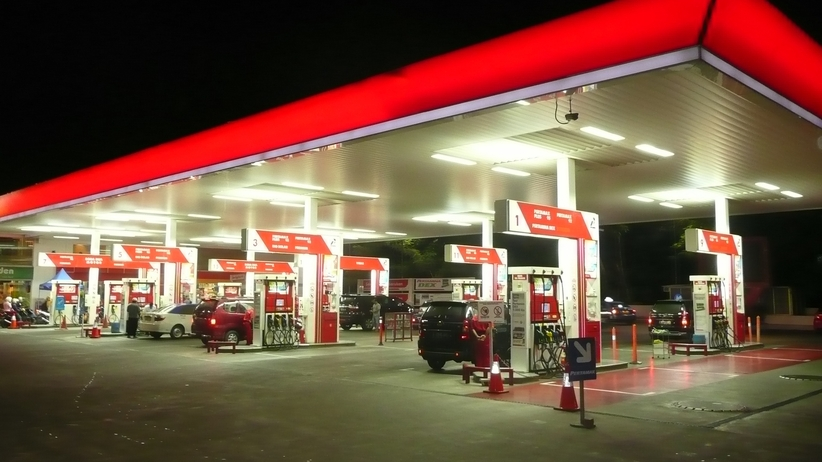 Koniec obniżek na stacjach paliw? Złe prognozy analityków