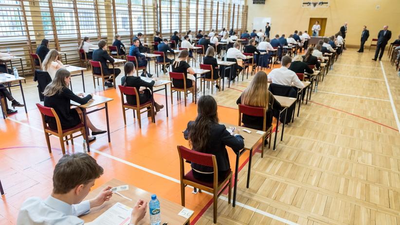 Egzamin ósmoklasisty. CKE opublikuje informator i przykładowe arkusze